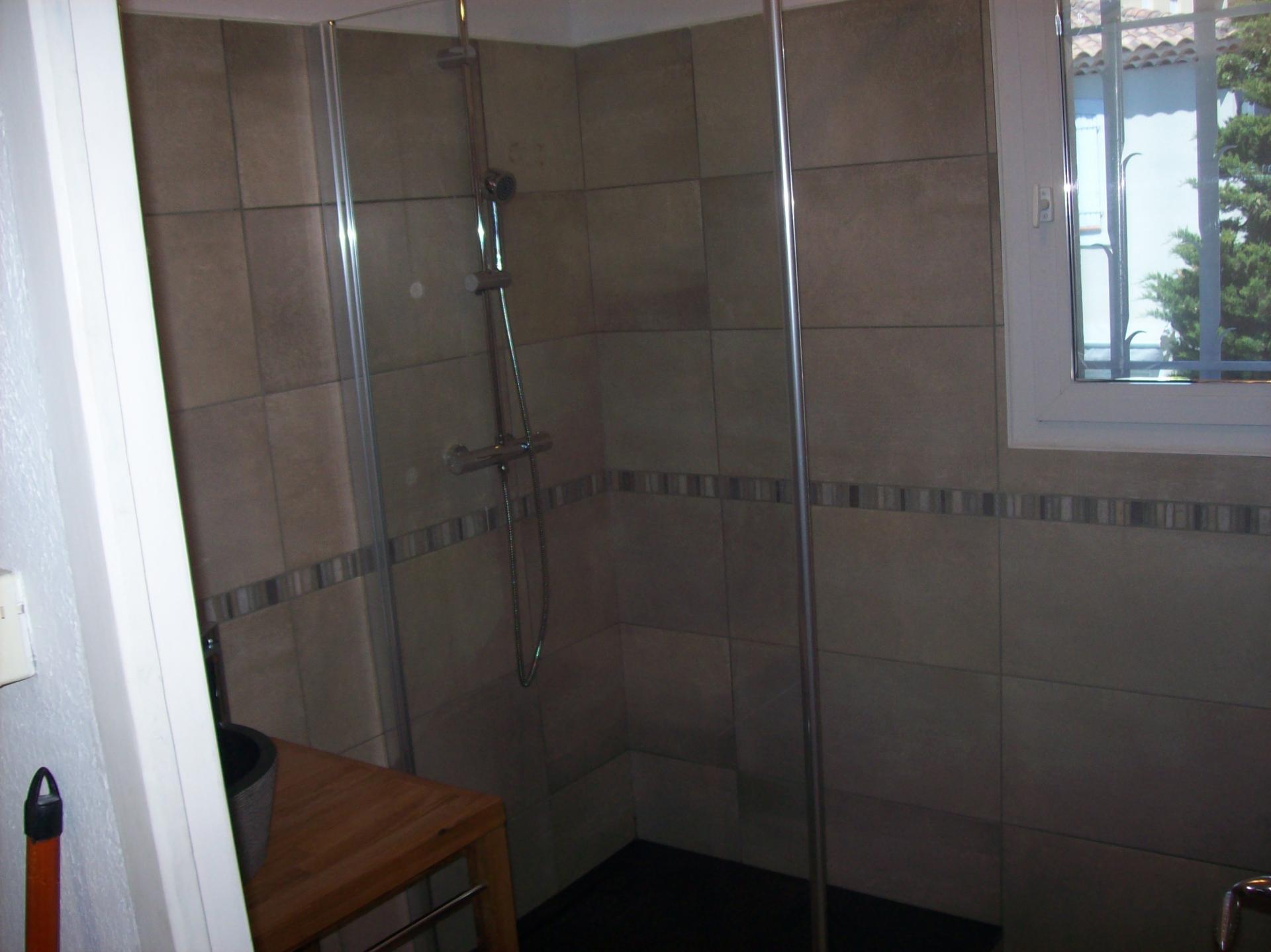 artisan carreleur r novation salle de bain aix marseille. Black Bedroom Furniture Sets. Home Design Ideas