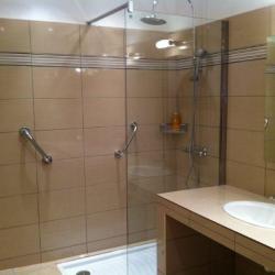 Douche à mobilité réduite